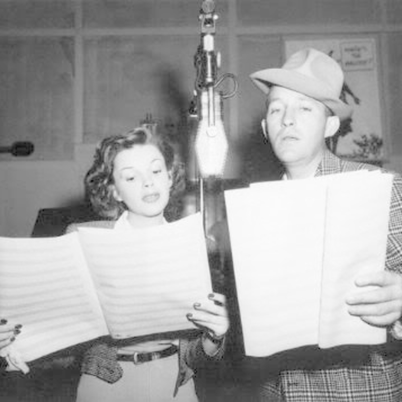 Bing Crosby Podcast 1946-11-27 Guest Judy Garland - Thanksgiving Show MP3