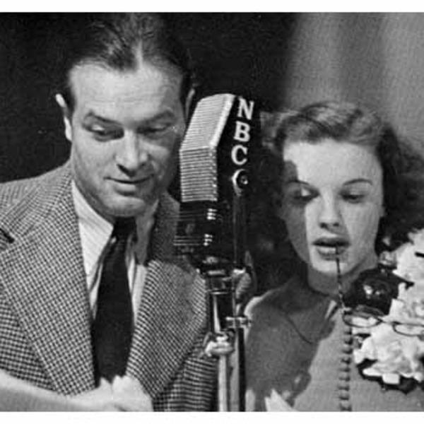 Judy Garland Theater - Command Performance - 1943-04-03 (061) - Bob Hope, Judy Garland, Johnny Mercer