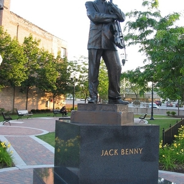 Jack Benny Classic Podcast 1943-02-21 (470) Chicago - Monument for Jack