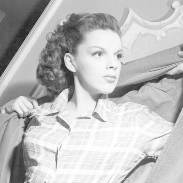 Command Performance Podcast 1942-06-18 (018) Host William Powell with Judy Garland, Gene Autry, George Jessel, Al Pierce and Mel Blanc