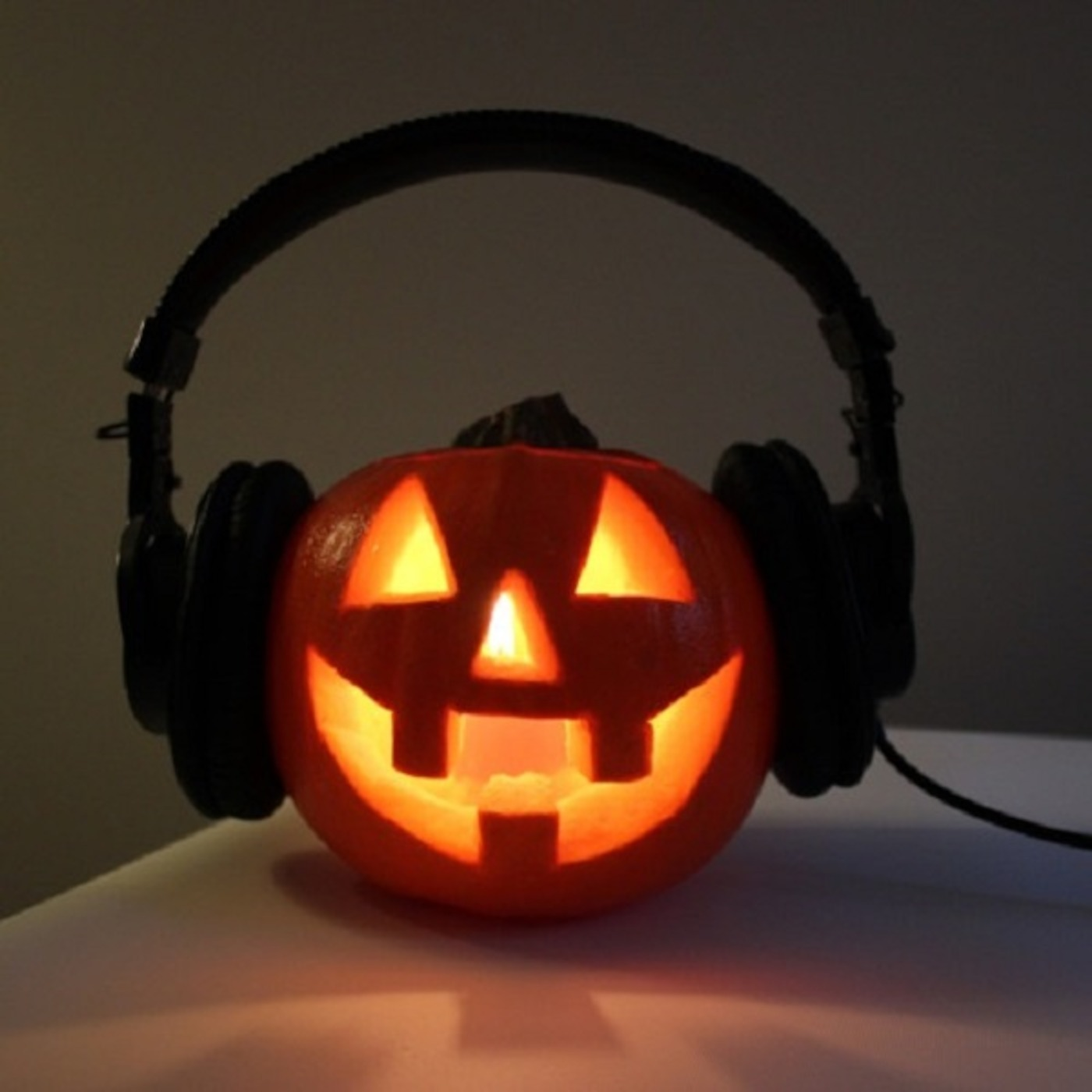 episode 10 - halloween commercials
