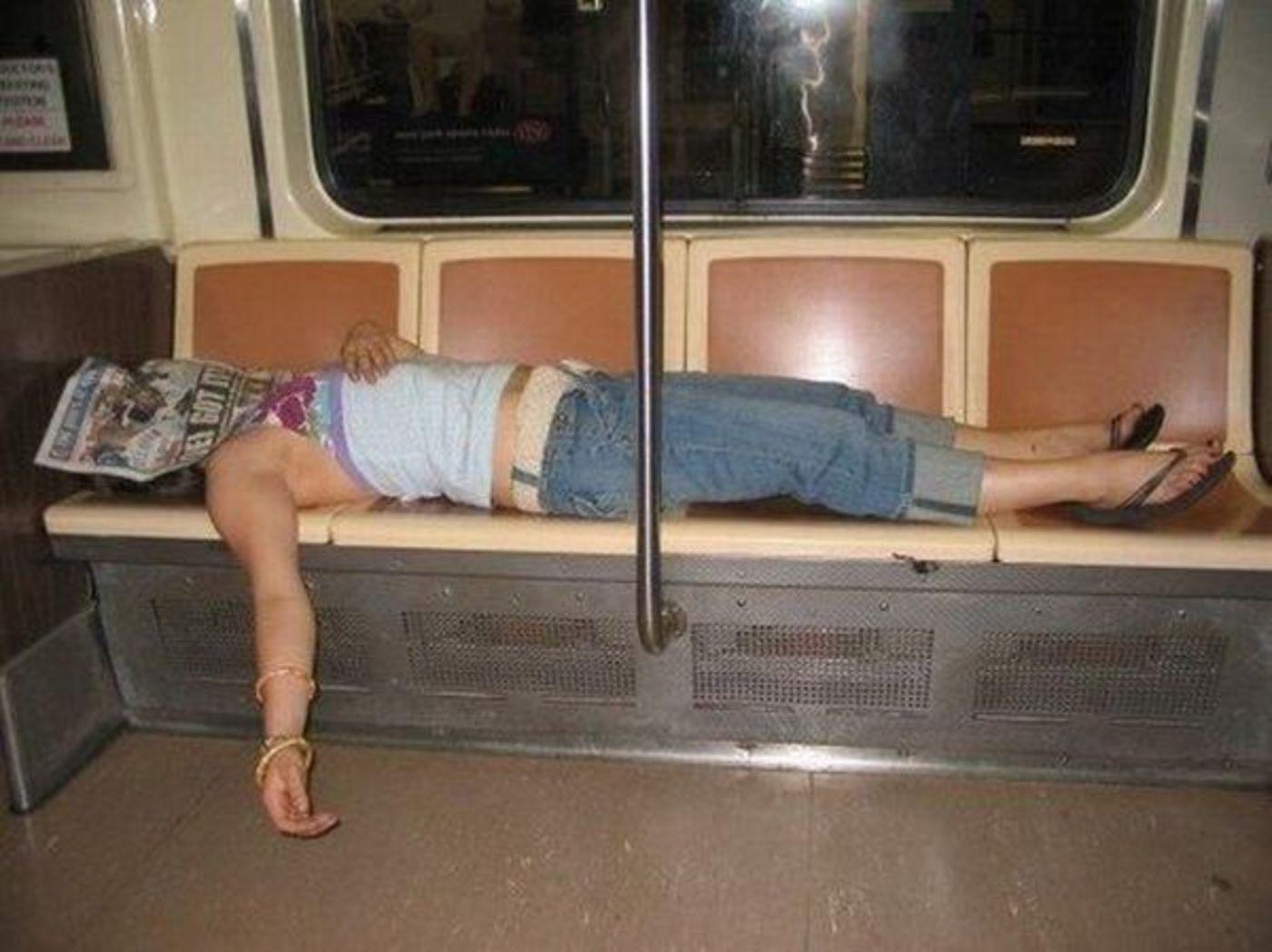 Спящие в маршрутке 10 фотография