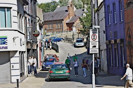 Scotch Street, Downpatrick, Co. Down, Northern Ireland, August 2009 [Photo by Ardfern]