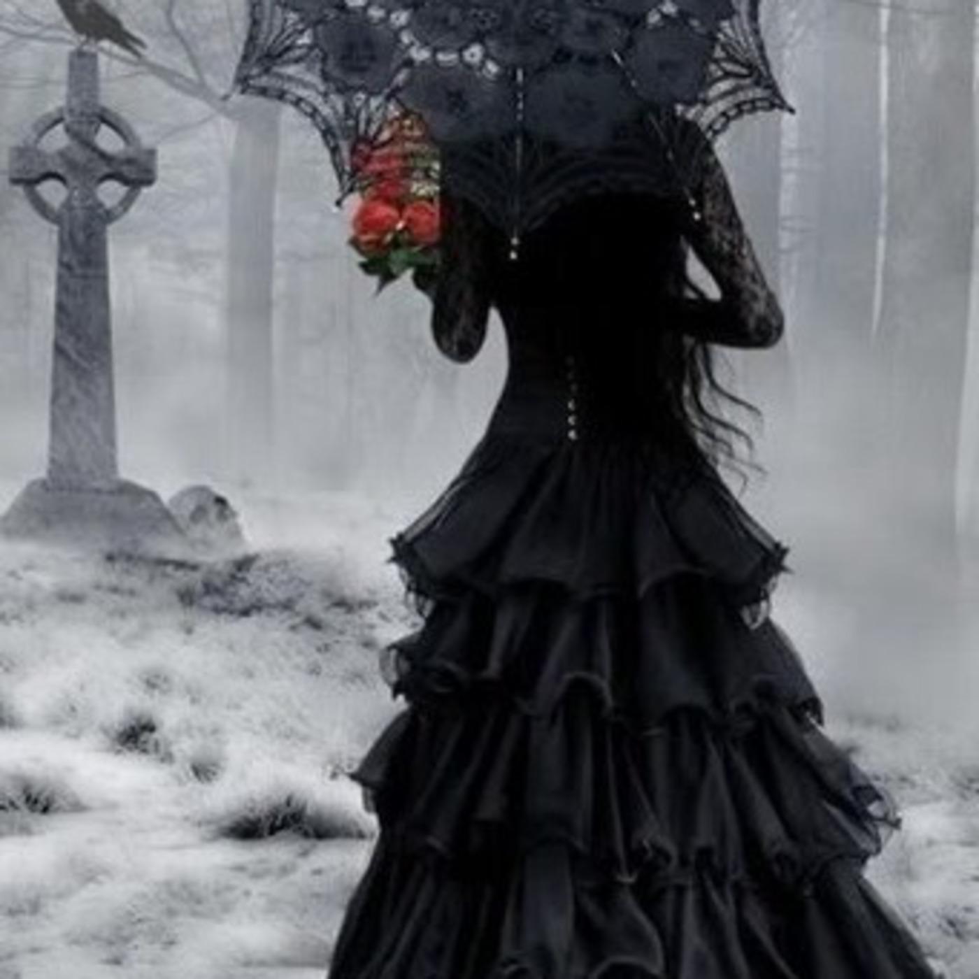 Секс на кладбище с вдовушками 14 фотография