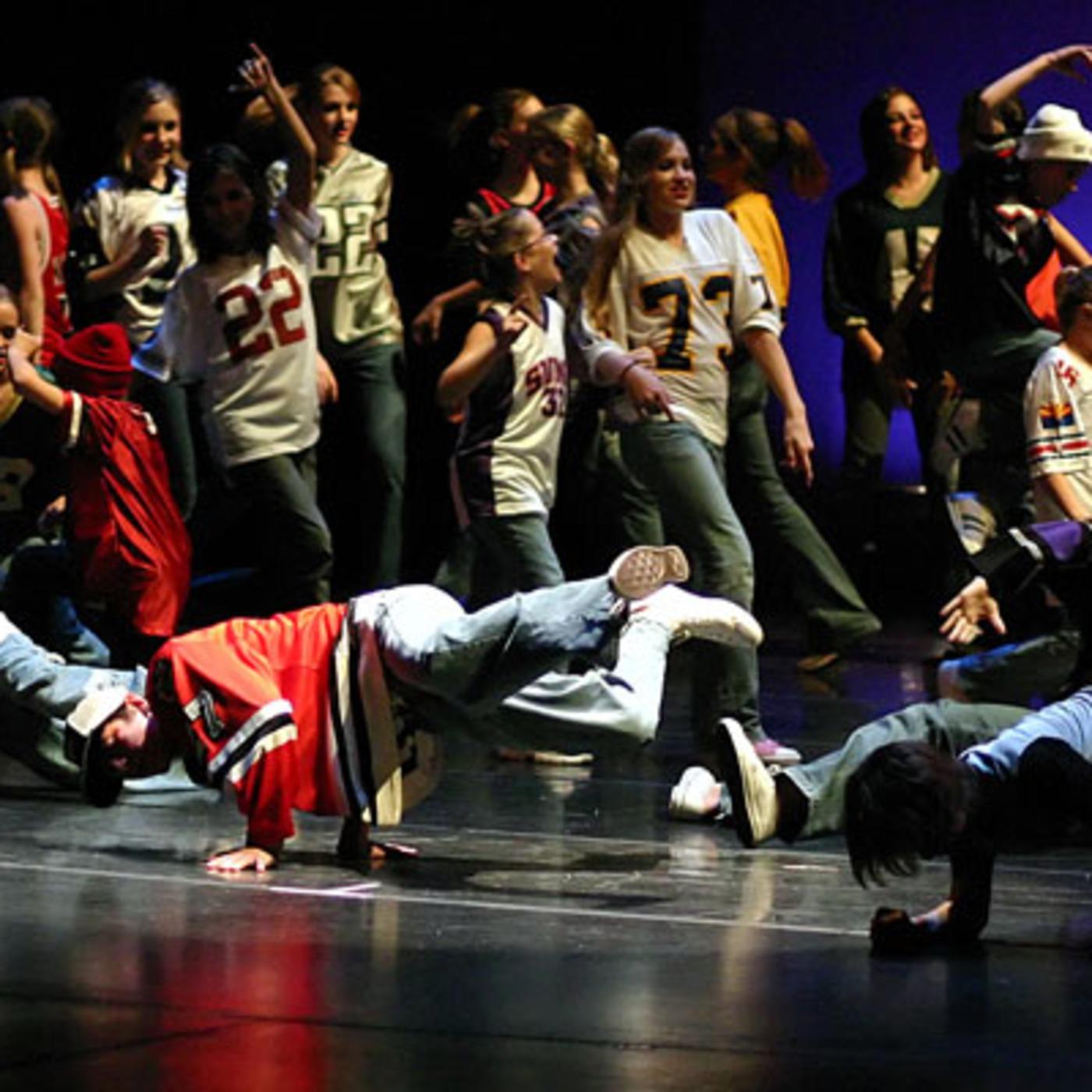 Смотреть онлайн танцы в стиле хип хоп 12 фотография