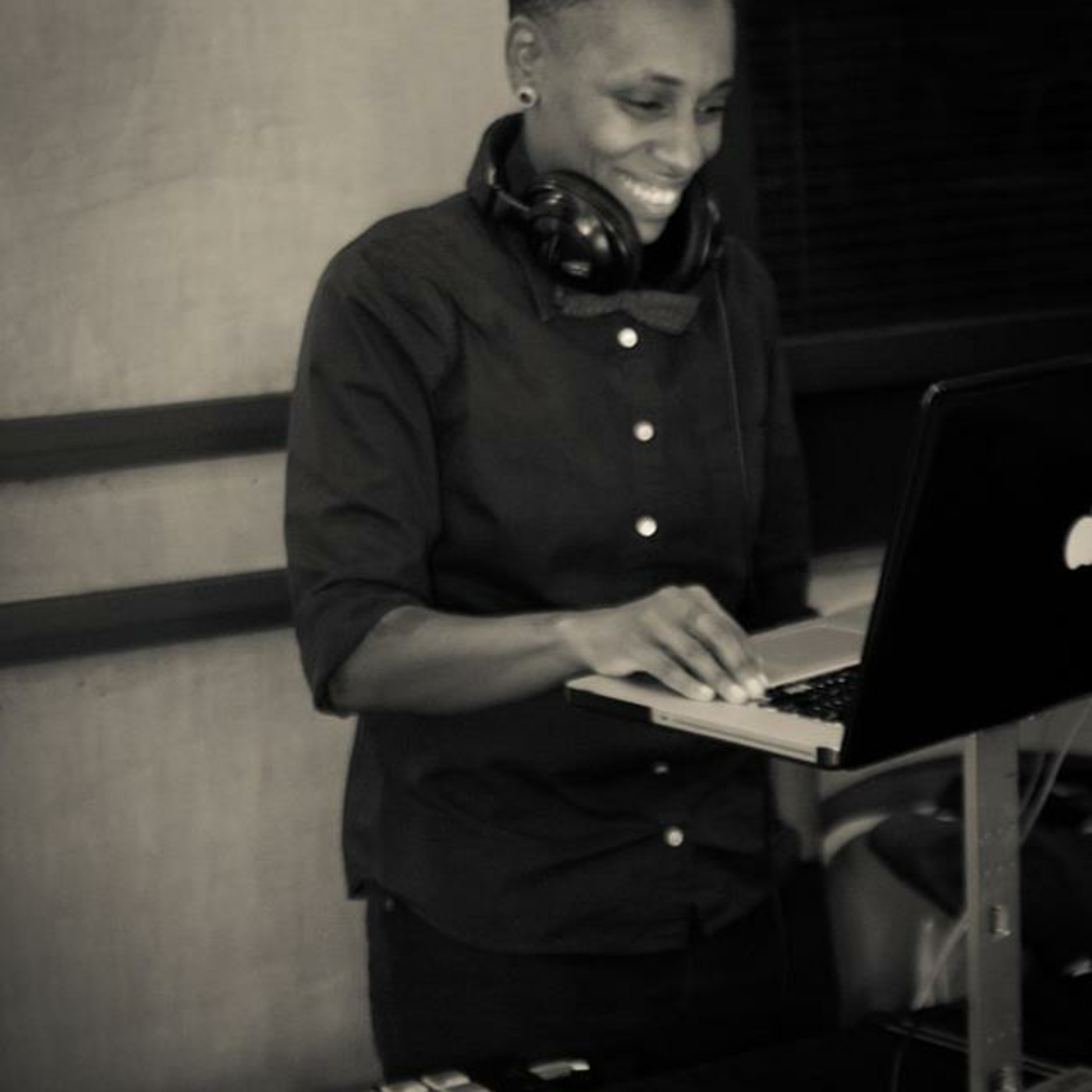 DJ Lynnée Denise (LA, Amsterdam, South Africa )