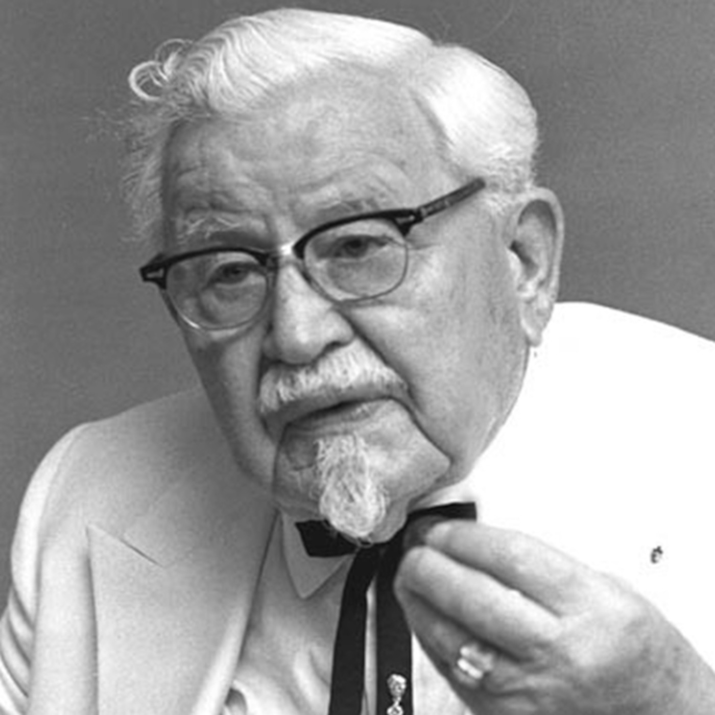 colonel sanders history Colonel harland sanders is the founder of kentucky fried chicken (kfc) and is ronald mcdonald's best known foe the 2 mascots were at war from the very start, and they plan to destroy eachother.